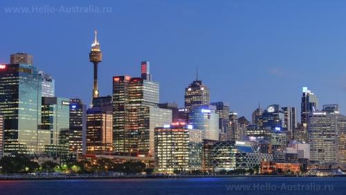 Вечерний вид на небоскребы Сиднея